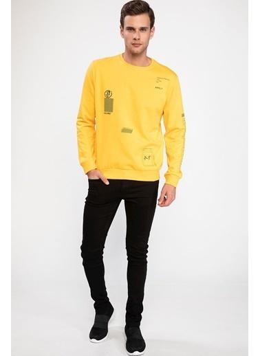 DeFacto Kapşonlu Şerit Şeklinde Yazı Baskılı Slim Fit Sweatshirt Sarı